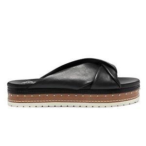 New Vince Camuto Rareden Slide Sandal